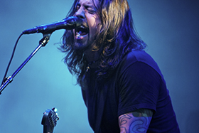 http://3glp.com/wp-content/uploads/2015/06/Dave-Grohl-resized.jpg